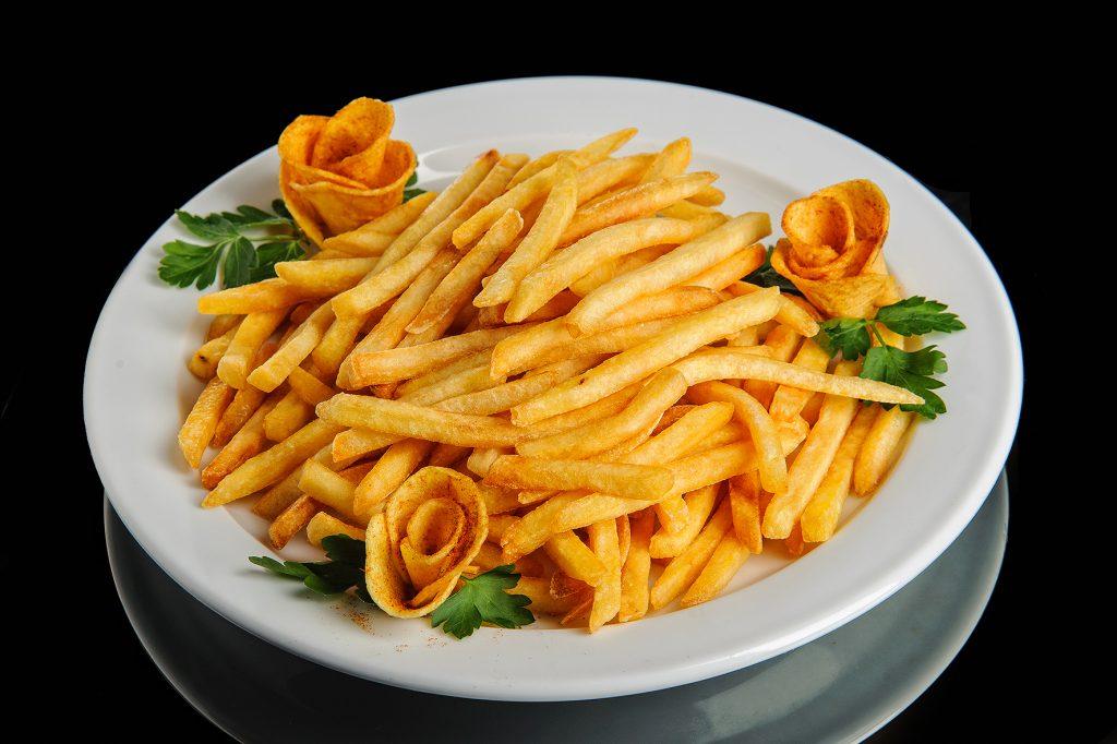 Картофель, жаренный во фритюре